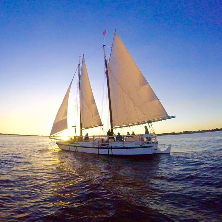 Schooner Lily Sailing Adventures